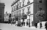 Bolivia, street scene in front of Presidential Palace in La Paz