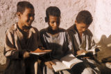 Upper Egypt region (Egypt), school boys reading