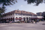 Tanzania, street scene in front of New Africa Hotel in Dar es Salaam