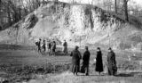 United States, Robert Platt's students studying loess outcrop at Palos Park Woods