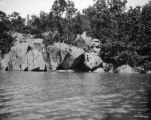 Maryland, rocky shore of Chesapeake and Ohio Canal