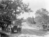 Duxbury (Massachusetts), automobile alongside country road