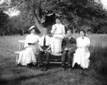 Boston (Massachusetts), seated group with tennis racquets