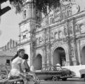 Panama, women on bench in front of Panama City Cathedral