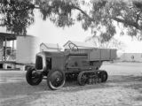 Broome (Australia), tractor at the Broome Hotel