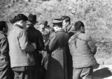 Changde (China), news correspondents interviewing a captured Japanese soldier after the Battle of...