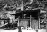 Yanchang (China), oil well at base of a mountain