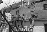 Shanghai (China), laborers working on British passenger ship S.S. Shuntien