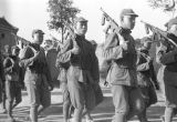 Shaanxi province (China), Chinese Red Army soldiers marching guns