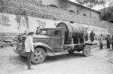 Yanchang (China), truck with barrel to transport oil