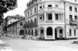Sri Lanka, street scene in front of Queen's Hotel in Kandy