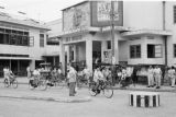 Indonesia, street scene in front of Rex Theater in Banjarmasin