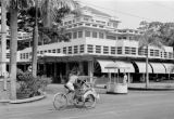 Indonesia, street scene in front of Hotel des Indes in Jakarta