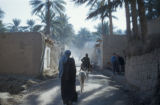 Baquba (Iraq), view down narrow village alleyway
