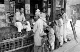 Pakistan, merchants selling goods to customers in Peshāwar