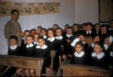 Cinarcik (Turkey), schoolchildren and teacher