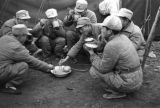Nanjing (China), soldiers eating rice, Civil War of 1949