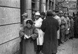 Shanghai (China), people lined up for relief funds, Civil War of 1949