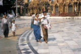 Rangoon, people at Shwedagon Pagoda
