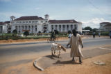 Accra, street scene near Supreme Court building