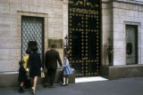 New York, Manhattan, family near Harry Winston jewelry store