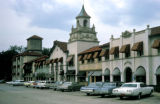 Chicago, suburban Wilmette, Plaza del Lago shopping center