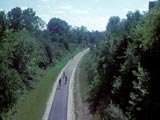 Oak Leaf Trail  (Chicago and Northwest Railroad corridor)