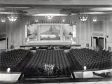 Lincoln Avenue, Riviera Theater, interior