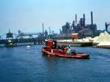Tugboat on the Calumet river in Chicago